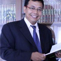 Prof. Dr. Heru Kurnianto Tjahjono, MM