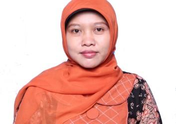 Dr. Rr. Sri Handari Wahyuningsih, M.Si